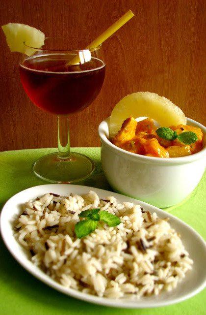 Kurczak Curry z Ananasem i Dzikim Ryżem