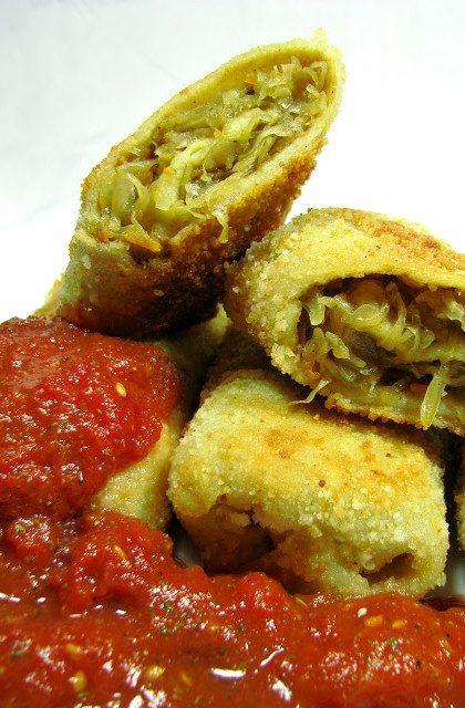 Krokiety z Kapustą i Grzybami w Sosie Pomidorowo – Czosnkowym
