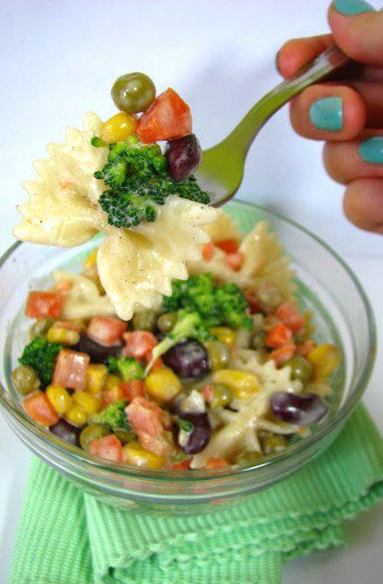 Sałatka z Makaronem i Warzywami