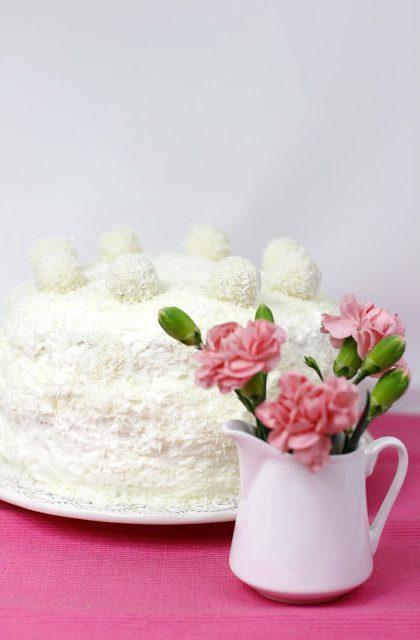Lekki Tort Ananasowo-Kokosowy