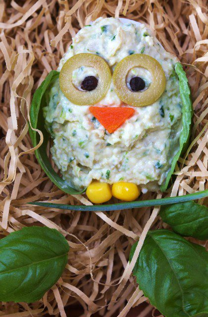 Jajka Faszerowane Oliwkami w Kształcie Sowy