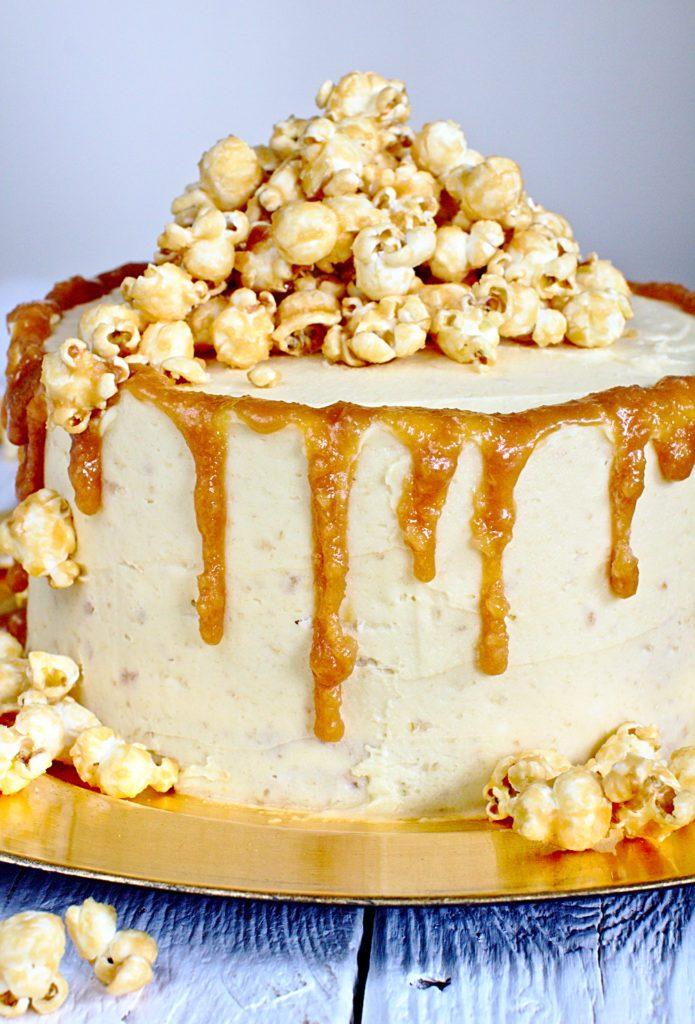 Tort z Karmelem i Popcornem