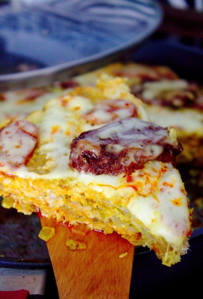 Pizza z Patelni na Spodzie z Mięsa Mielonego