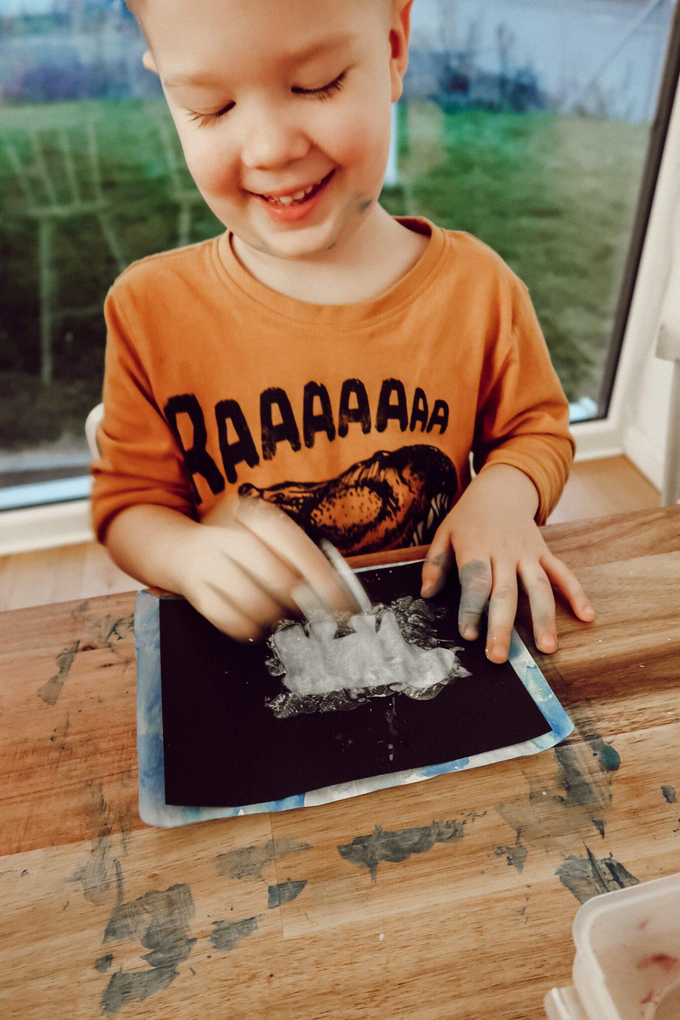 niedźwiedź polarny praca plastyczna z szablonem